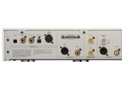 Esoteric D-07 Convertidor digital / analogico. Entradas  USB,  2 digital coaxial